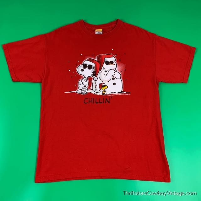 SNOOPY CHILLIN' T-SHIRT Peanuts Christmas LARGE 2